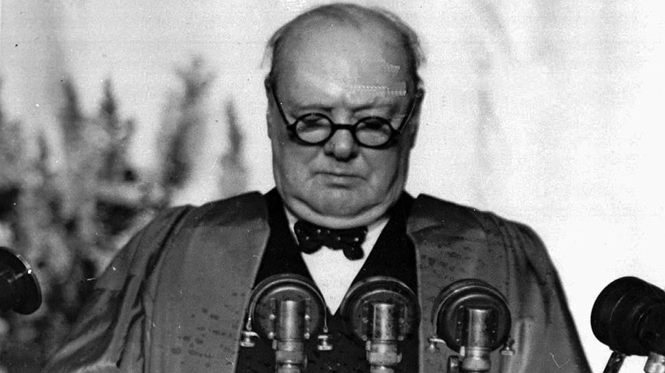 Британский государственный и политический деятель Уинстон Черчилль