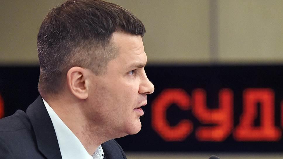 Дмитрия Каменщика не выпустили из дома