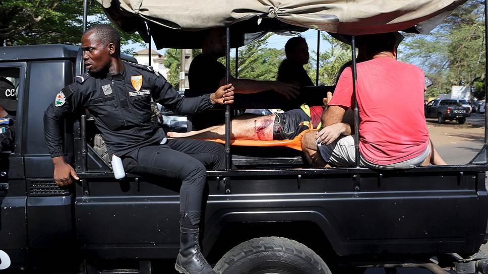 В Кот-д`Ивуаре расстреляли туристов
