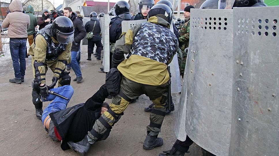 ОМОН подавил цыганские беспорядки из-за отключения газа под Тулой