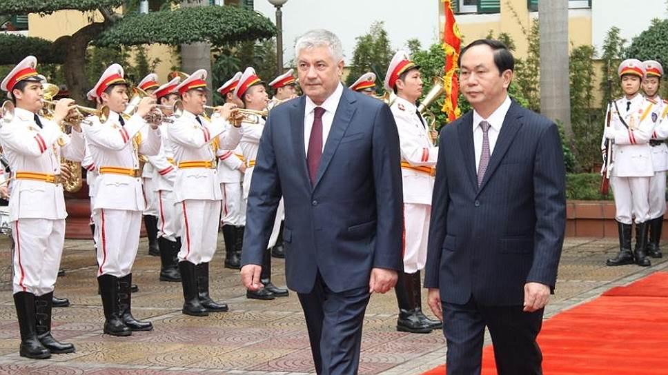 Глава МВД генерал полиции РФ Владимир Колокольцев и министр общественной безопасности Вьетнама Чан Дай Куанг