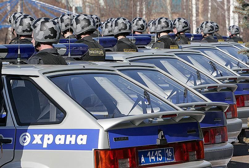 Национальной гвардии будут переданы структуры вневедомственной охраны, включая ФГУП «Охрана» МВД РФ <br>На фото: развод подразделений вневедомственной охраны