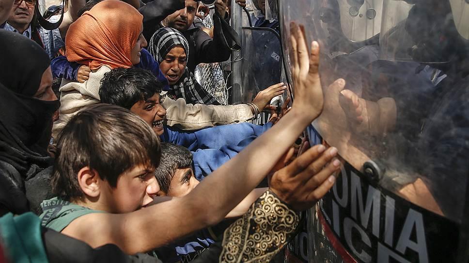 "Как корреспондент ""Ъ"" знакомился с сирийскими беженцами в Греции"