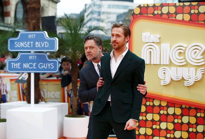 В 2016 году на экраны вышел комедийный боевик «Славные парни» о приключениях наемного охранника и частного детектива<br> На фото: с партнером по фильму Райаном Гослингом на премьере в Лондоне