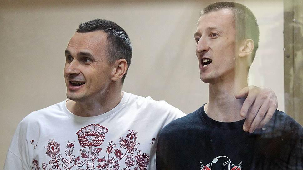 Украинский режиссер Олег Сенцов и Александр Кольченко