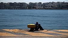 Вдвое меньше беженцев прибыло в Грецию в марте