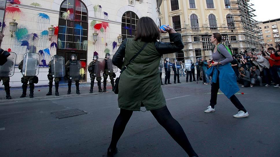 Македонский протест перешел в цвет