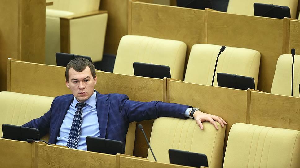 КПРФ связывают с Алексеем Навальным