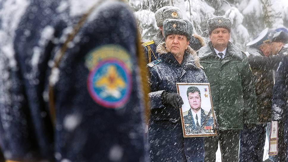Почему о смерти Олега Пешкова в России нет дела