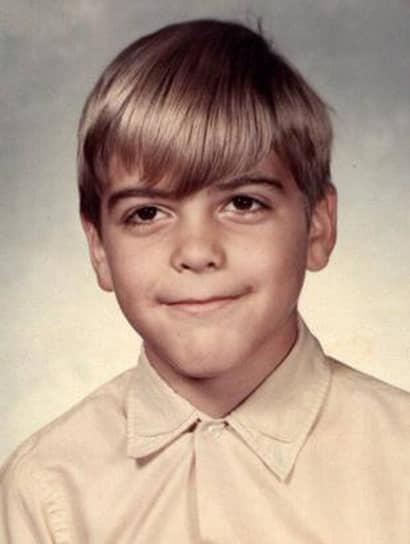 Джордж Тимоти Клуни родился 6 мая 1961 года в Лексингтоне, штат Кентукки, в семье популярного телеведущего и журналиста Ника Клуни. По материнской линии Джордж является потомком 16-го президента США Авраама Линкольна. На телевидении он впервые появился в пятилетнем возрасте, играя разных персонажей в шоу своего отца