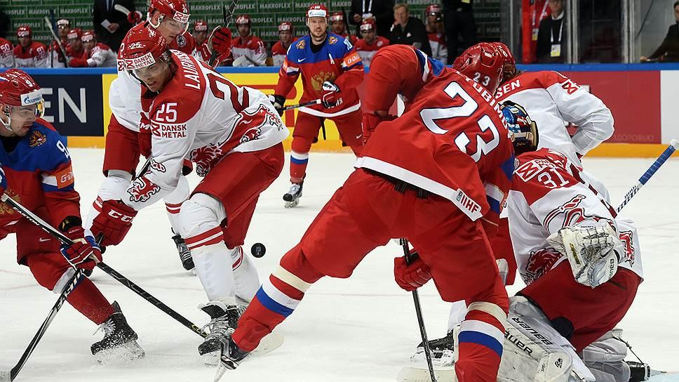 Как российская сборная сыграла с датчанами