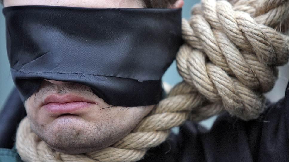Почему в обществе периодически ведутся разговоры о возвращении высшей меры наказания