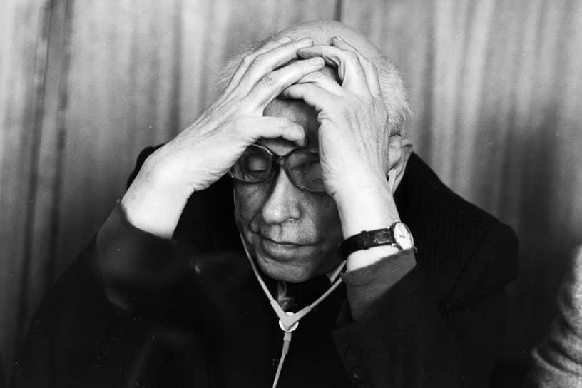 Нобелевская премия мира была присуждена Андрею Сахарову в 1975 году с формулировкой «за бесстрашную поддержку фундаментальных принципов мира между народами и за мужественную борьбу со злоупотреблениями властью и любыми формами подавления человеческого достоинства»