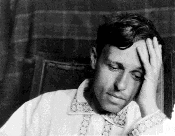 Андрей Сахаров родился 21 мая 1921 года в Москве. Отец будущего ученого Дмитрий Сахаров был преподавателем физики, а мать — домохозяйкой