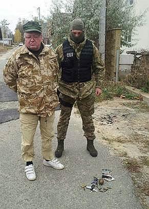 24 октября 2014 года глава СБУ Валентин Наливайченко заявил об аресте на Украине Николая Гречишкина, назвавшего себя «генералом ФСБ». Позже выяснилось, что он не работал в ФСБ, а ранее был помощником депутата Госдумы. 26 декабря задержанный был освобожден при обмене пленными