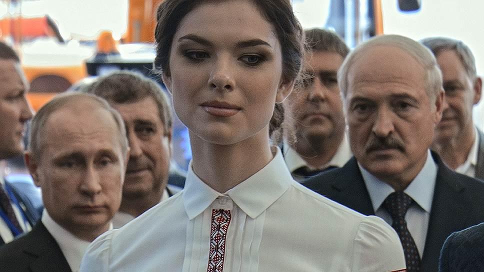 Владимир Путин и Александр Лукашенко не могли оторвать глаз от продукции белорусского легпрома