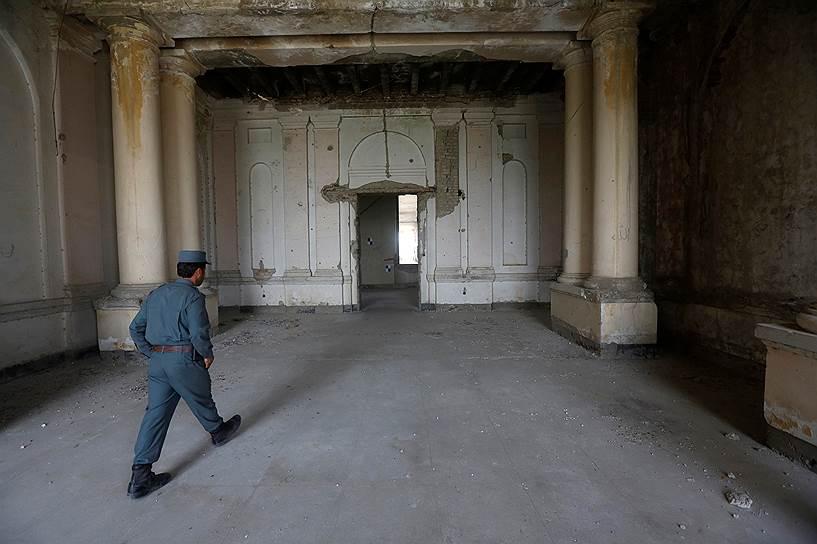 Согласно предложенному проекту, восстановление дворца займет не менее трех лет и может стоить до $20 млн