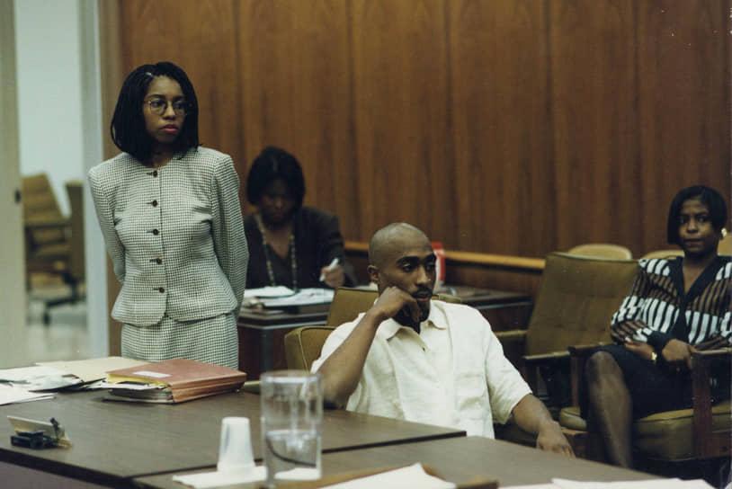Когда дело дошло до суда, то правосудие посчитало более убедительной версию самой Аянны Джексон: она в основном повторяла историю Шакура, с той лишь разницей, что на дискотеке, по ее словам, Шакур силой принудил ее к близости, а во время второй встречи принимал участие в групповом изнасиловании