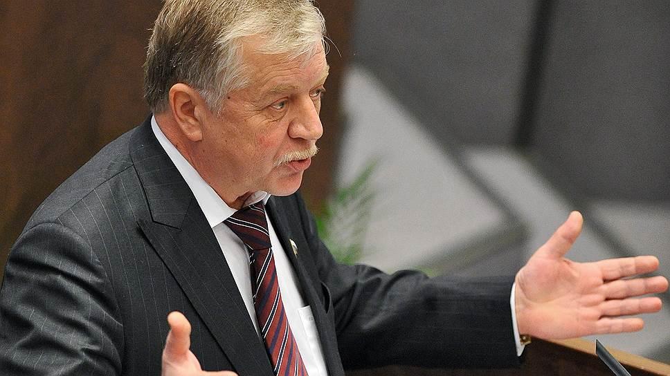 Как «Справедливая Россия» забрала у КПРФ председателя