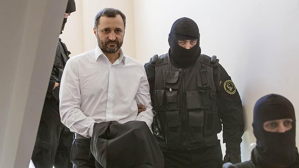 За что экс-премьер Молдавии Владимир Филат получил девять лет с конфискацией