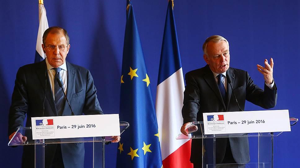 Как министры иностранных дел России и Франции обсуждали пути выхода из кризиса в отношениях стран