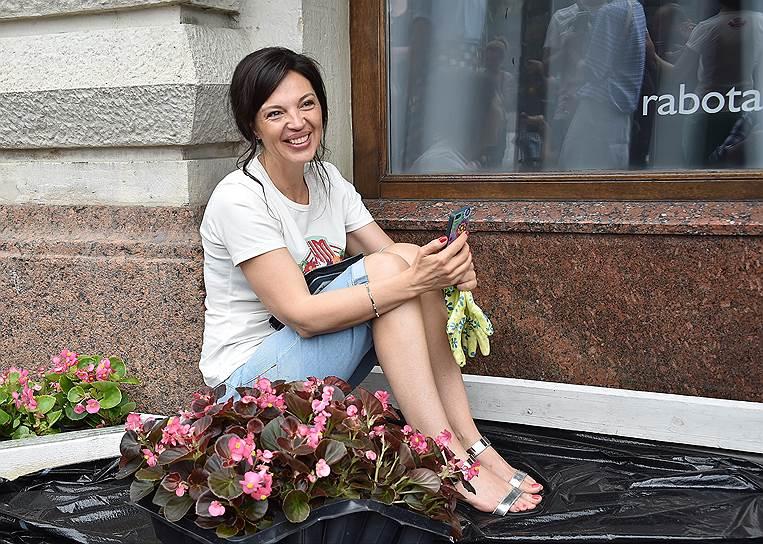 Екатерина Диденко из-за травли встала на подоконник с детьми