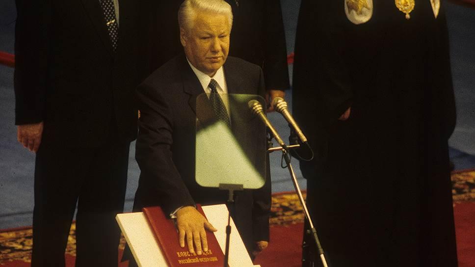 Выстоять несколько минут на собственной инаугурации для Бориса Ельцина оказалось едва ли не сложнее, чем пройти всю предвыборную гонку
