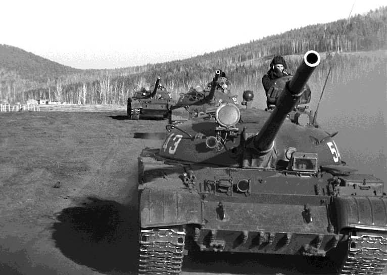В 1945 году был изготовлен образец нового танка Объект 137 (Т-54). Производство модификаций Т-34 продолжалось до 1959 года. Всего было выпущено около 17 тыс. машин. Кроме СССР, выпускали в Китае, Северной Корее, Польше и Чехословакии