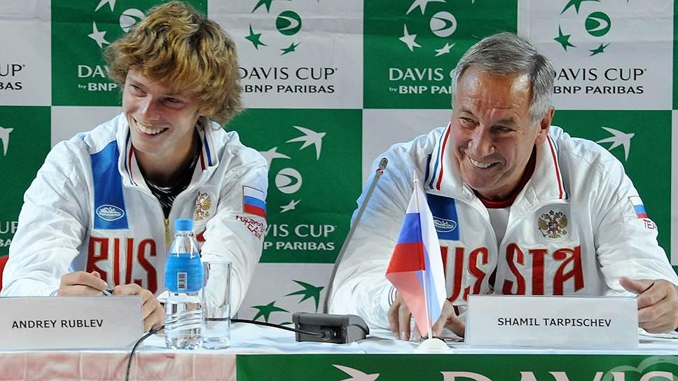 Теннисист Андрей Рублев (слева) и президент Федерации тенниса России, капитан сборной России Шамиль Тарпищев