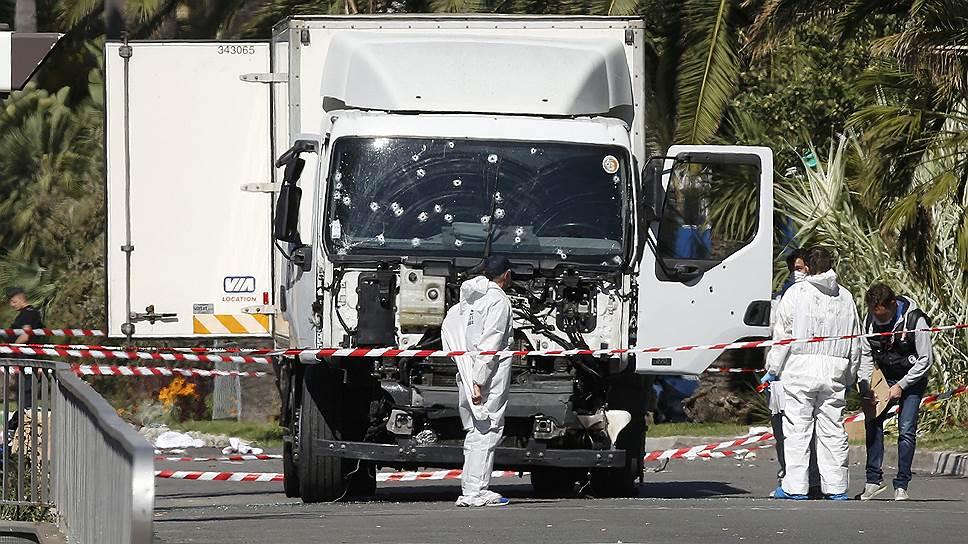«Под исламистской угрозой — вся Франция»