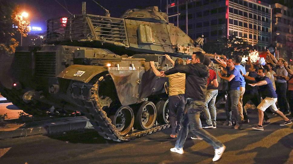 Как зарубежные СМИ отреагировали на попытку госпереворота в Турции