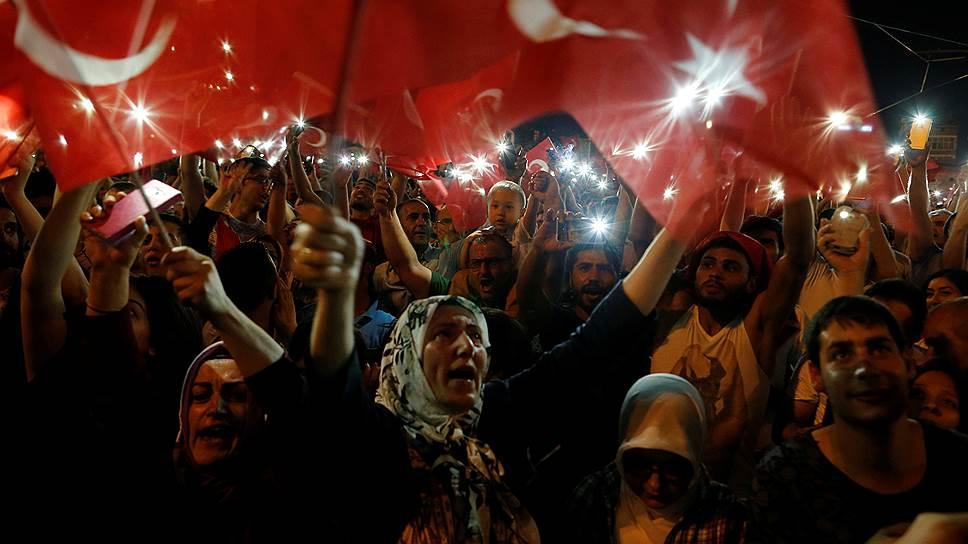 Росавиация запретила авиакомпаниям брать на борт россиян на турецком направлении «до выяснения политической обстановки»