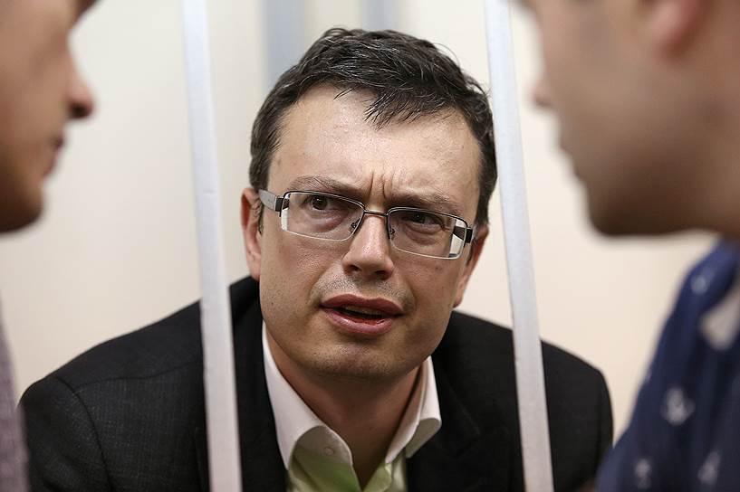 Стремительная следственная карьера Дениса Никандрова (на фото) в СКР оборвалась после того, как он стал подследственным ФСБ