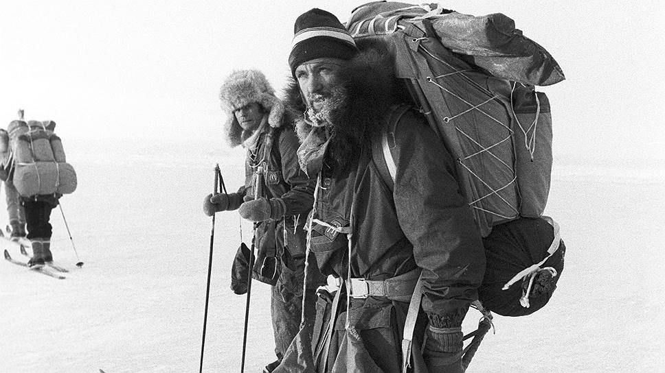 В 1987—1988 годах Федор Конюхов был членом советско-канадской лыжной экспедиции по Баффиновой Земле (Канада). После этого путешественник был награжден орденом Дружбы народов СССР