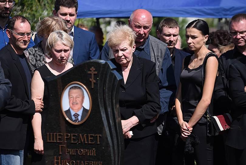 Владелица интернет-издания «Украинская правда» Алена Притула (слева)