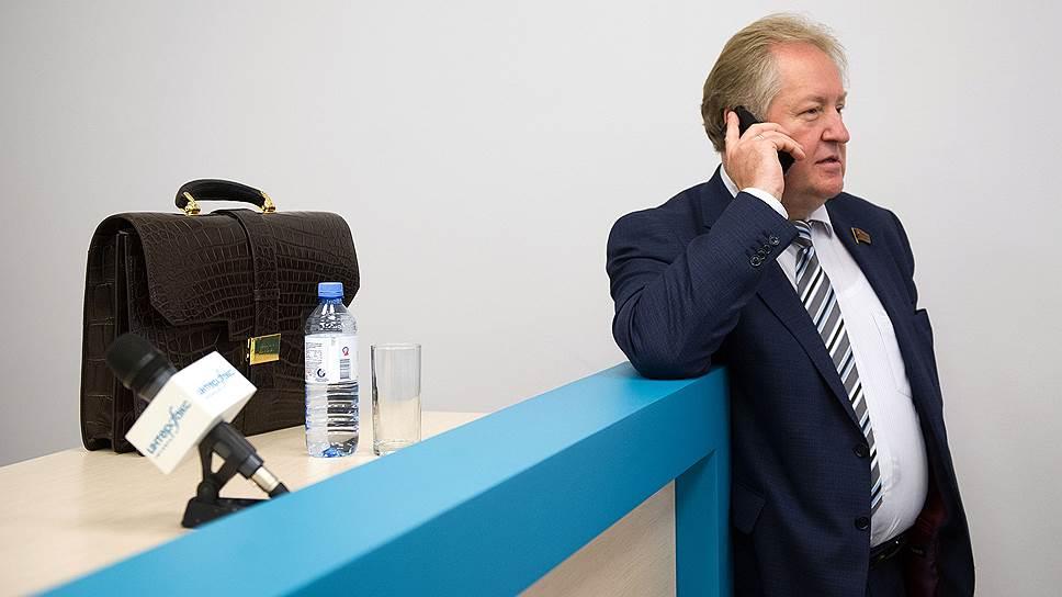 Депутат Госдумы, секретарь ЦК КПРФ Сергей Обухов