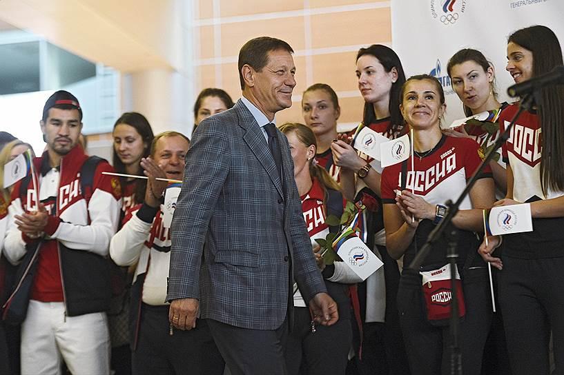Глава ОКР Александр Жуков во время проводов олимпийской сборной России в аэропорту Шереметьево