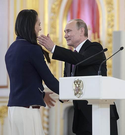 Владимир Путин и двукратная олимпийская чемпионка Елена Исинбаева
