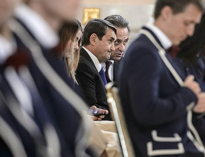 Помощник президента РФ Игорь Левитин (слева) и министр спорта РФ Виталий Мутко