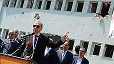От турецких военных требуют стать более мирными