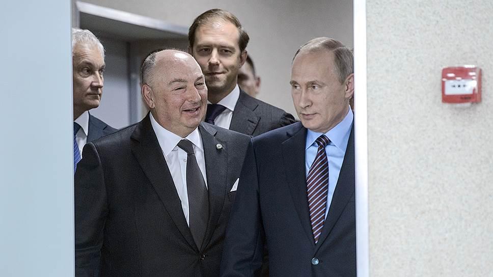 Как Владимир Путин посетил завод компании «Акрон» в Новгороде