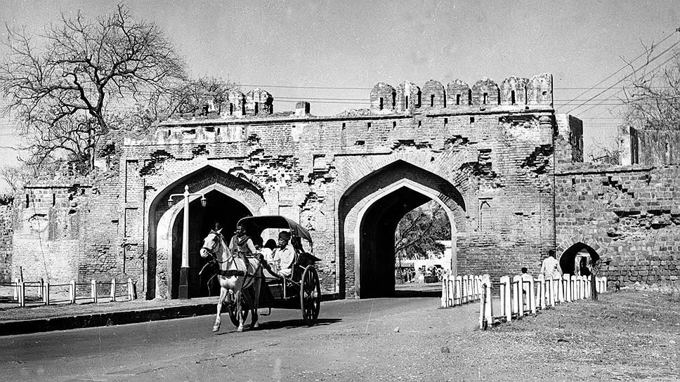 История конфликта и новое обострение в Кашмире — в фотогалерее «Ъ»