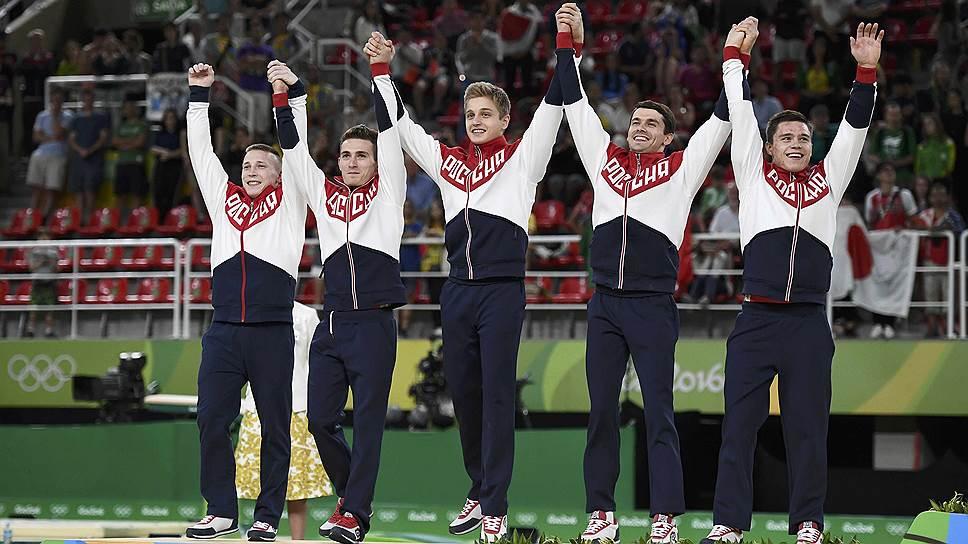 Как российские гимнасты стали вторыми в командном олимпийском турнире