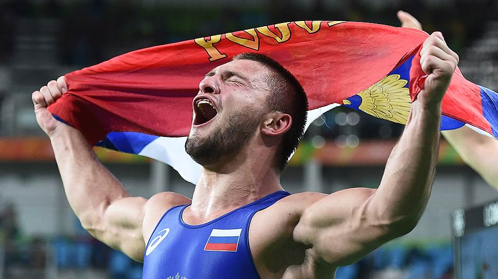 Как золото и бронзу в греко-римской борьбе завоевали Давит Чакветадзе и Сергей Семенов