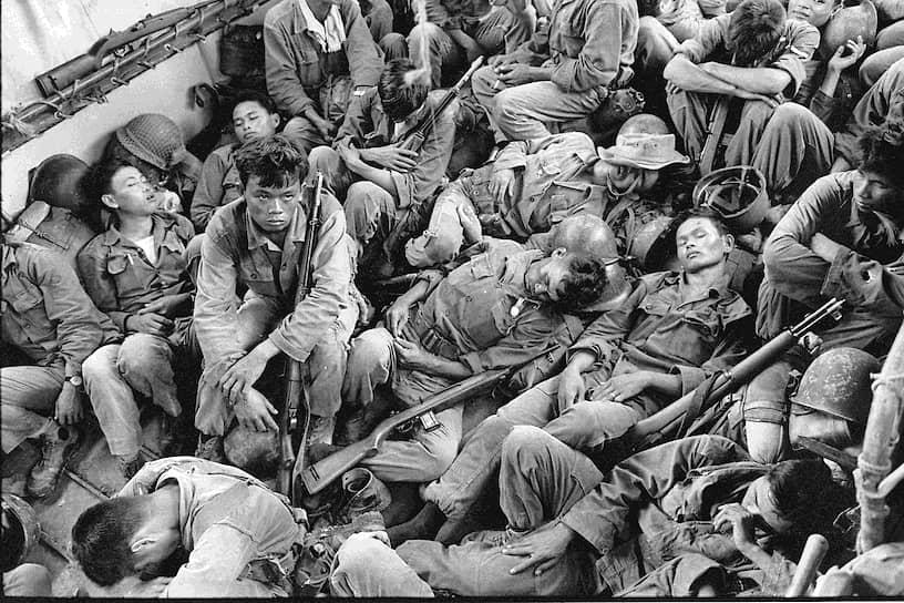 Хорст Фаас. 1 августа 1962 года. «Южновьетнамские военные возвращаются в провинцию Камау после 4-дневного рейда на юге Вьетнама»