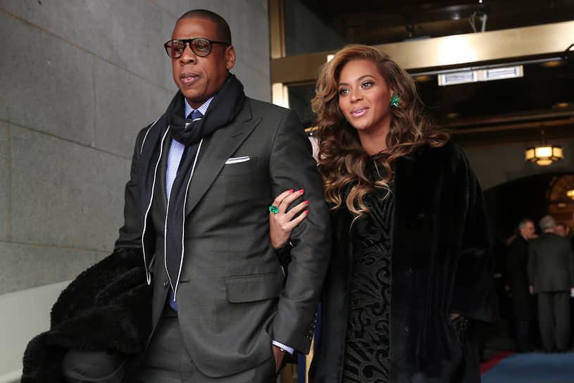 «Самое лучшее в рождении дочери — то, что теперь у меня есть истинное наследие»<br>В 2008 году Бейонсе Боулз вышла замуж за рэпера Jay-Z (настоящее имя Шон Кори Картер). В 2011 году певица сообщила о своей беременности во время церемонии MTV Video Music Awards. В январе 2012 года в Нью-Йорке у пары появилась дочь Блю Айва Картер. Как сама Бейонсе рассказывала позже, для конспирации она зарегистрировалась в одной из клиник Нью-Йорка под именем Ингрид Джексон. В 2017 году певица родила двойню: мальчика назвали Сэр Картер, девочку — Руми Картер