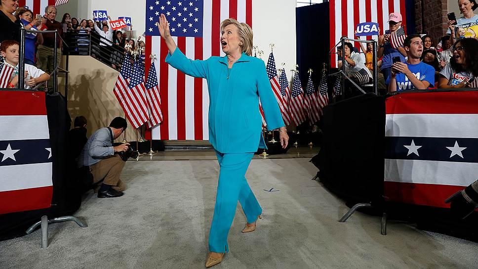 Кого Хиллари Клинтон подозревает в кибератаках