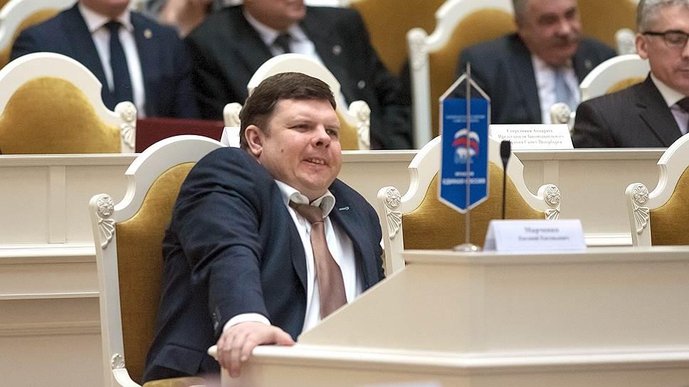 Почему кандидат от «Единой России» в Петербурге раздавал избирателям бесплатные билеты