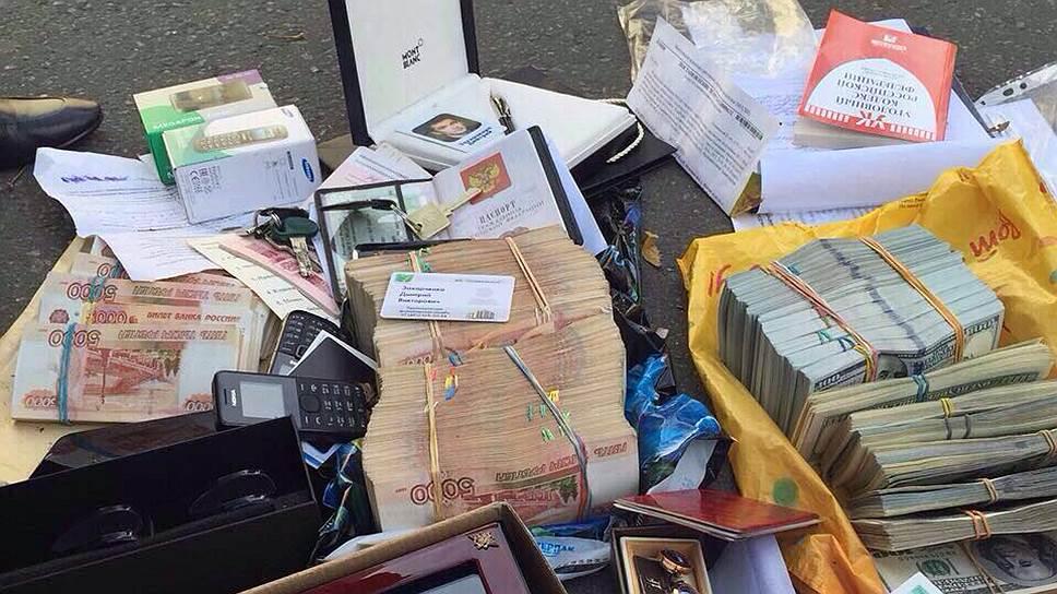 Изъятые при обысках у врио начальника антикоррупционного главка МВД Дмитрия Захарченко деньги