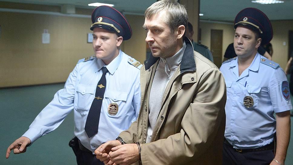 Как у Дмитрия Захарченко изъяли деньги банкиров